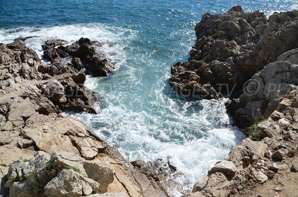 Accès à la mer après St Laurent d'Eze