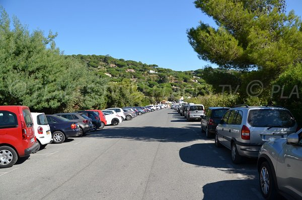 Free car park of the Douane creek