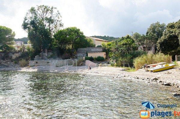 Crique au sud du port de Solenzara