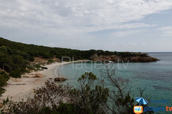 Photo de la crique de Furnellu en Corse