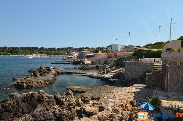 Littoral around the beach of Gardiole in Cap d'Antibes