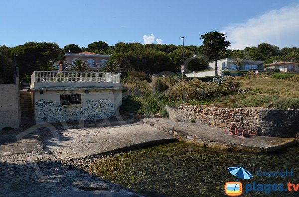 Access to Gardiole beach - Cap d'Antibes