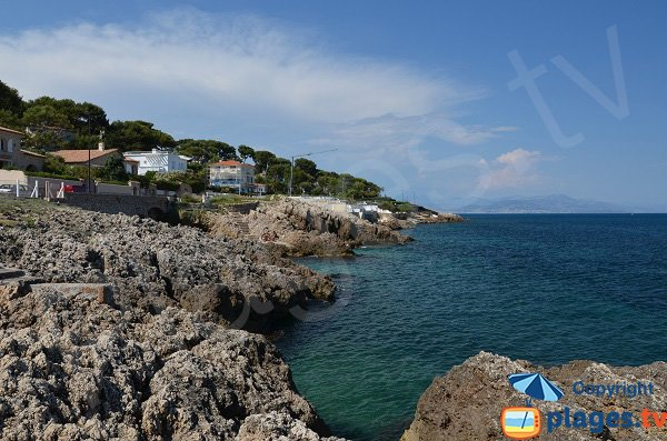 Rocks near Gardiole beach - Cap d'Antibes