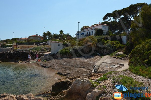 Photo of Gardiole beach in Cap d'Antibes in France
