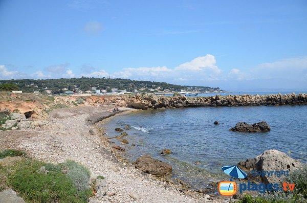 Crique à proximité de la plage de la Garoupe