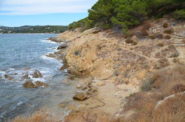 Photo de la plage de l'ilot du Crocodile à La Croix Valmer - Sentier du littoral