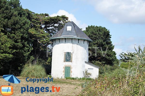 Moulin à vent sur l'ile d'Arz