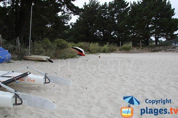 Crique avec du sable fin à Fouesnant - Lantecoste