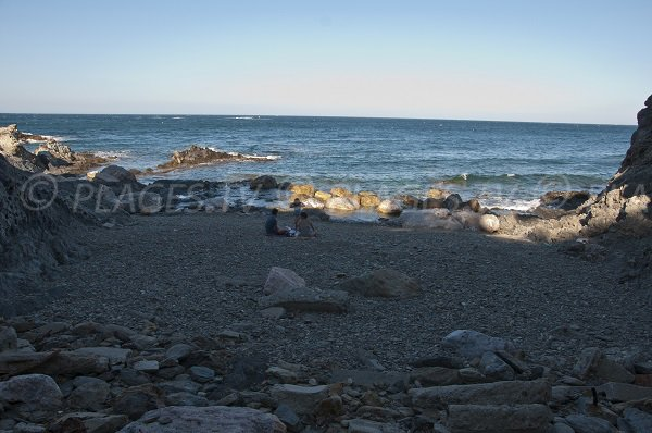 Cap d'Ona à Banyuls sur la Côte Vermeille - Crique de galets
