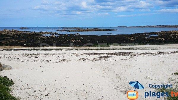 Baignade difficile sur la plage de Pors ar Goret à Lampaul-Plouarzel - Bretagne