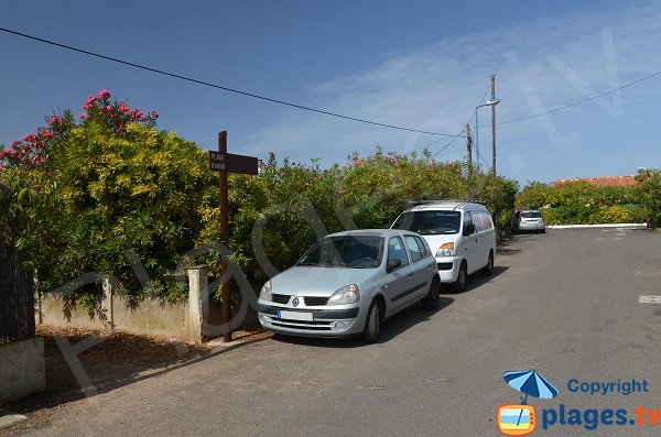 Parking of Dentis beach - Isolella