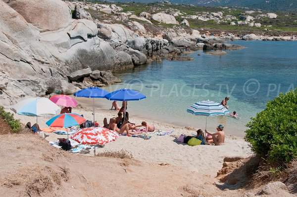 Petite crique de la Pointe di Spanu en Corse