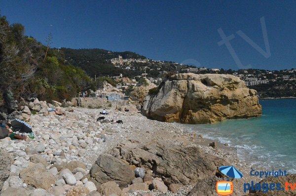 Crique peu connue à Roquebrune Cap Martin - Le Rocher
