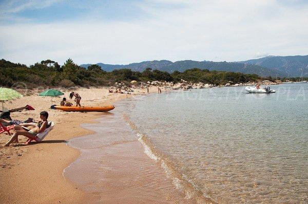 Crique de sable secrète à St Cyprien - Corse
