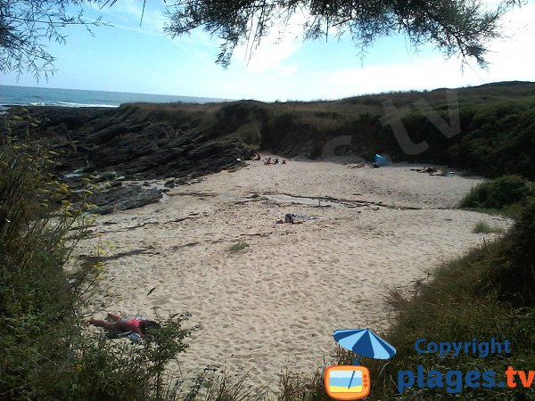 Photo de la crique des Saisies sur l'ile de Groix