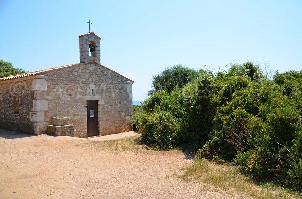 Chapelle St Pierre sur l'île St Honorat