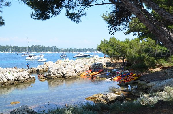 Tonnelle cove - St Honorat island