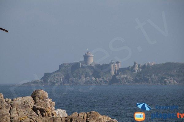 Château de Fort-la-Latte vue depuis le Cap Fréhel