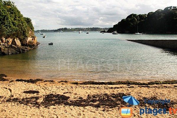 Photo de la crique de l'embarcadère de l'ile de Bréhat en Bretagne
