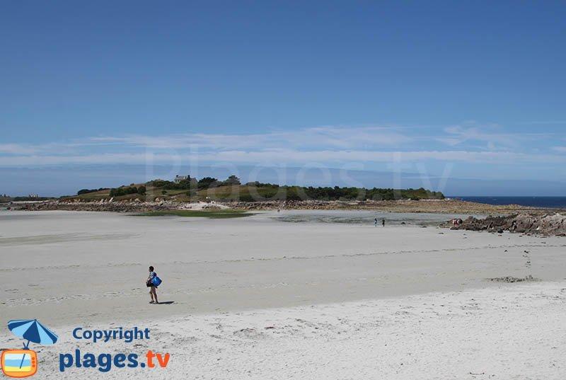 Ile de Sieck depuis la plage de Dossen à Santec - Bretagne