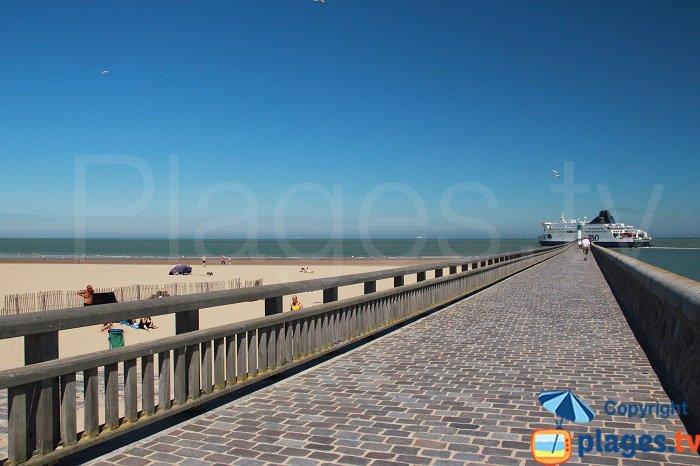 Ferry to the beach at Calais