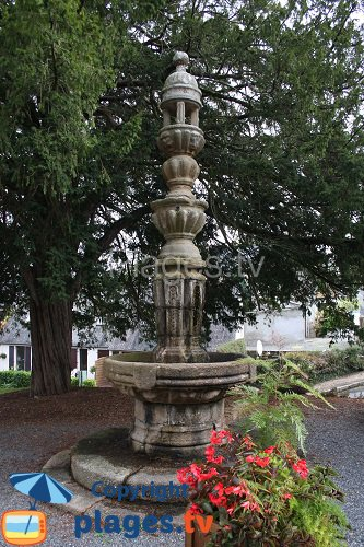Fountain of enclos in Lannion