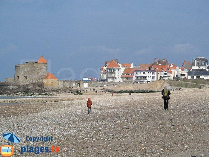 Fort d'Ambleteuse depuis la plage de la Slack