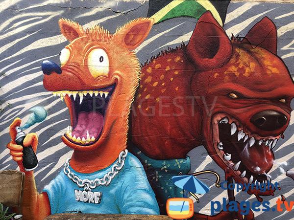 Une fresque ou tag dans le quartier du panier à Marseille