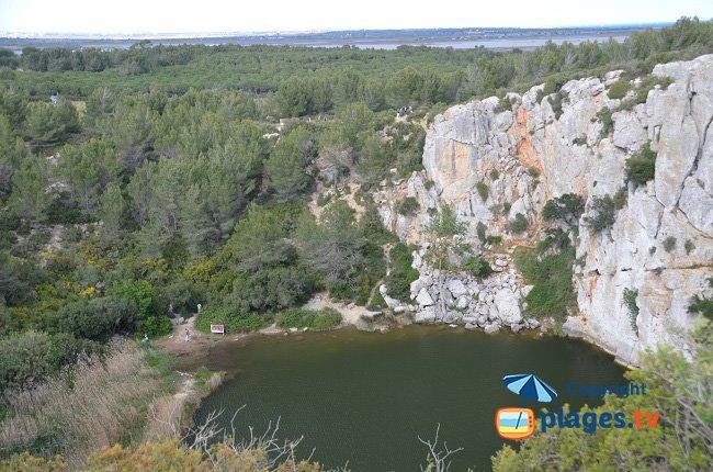 Vue depuis le sommet du Gouffre de l'oeil Doux avec les étangs
