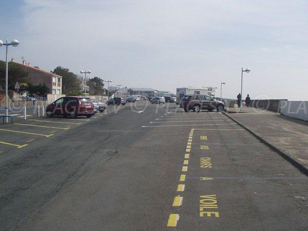 Parking de la Grand Plage à côté du casino de La Faute sur Mer