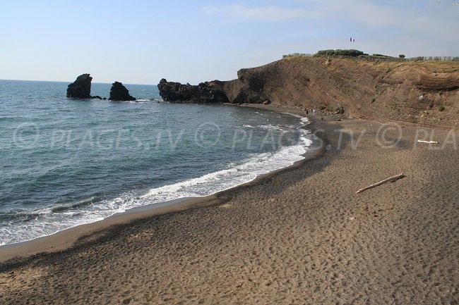 Spiaggia di sabbia grigia a Cap d'Adge