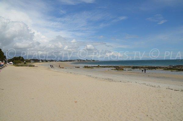 Beach near the Carnac port