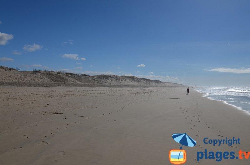 Grande plage de la Côte d'Argent sur la Côte Atlantique