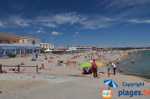 Grande plage fos sur mer 13 bouches du rhone paca for Piscine fos sur mer
