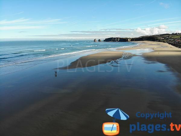Grande plage de sable à Hendaye
