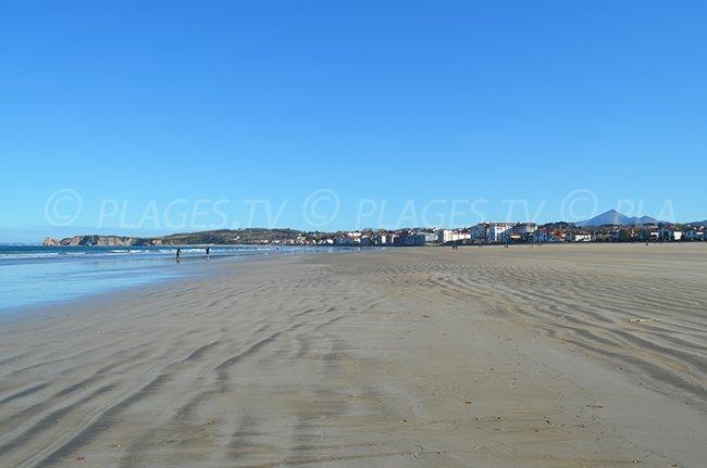 Grande plage de sable d'Hendaye