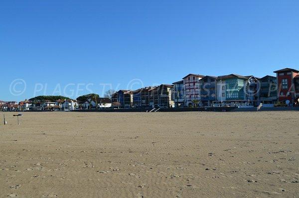 Architecture basque sur le front de mer d'Hendaye