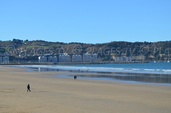 Low tide on the Grande Beach of Hendaye