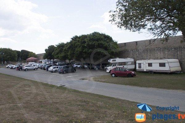 Parking de la grande plage de Port-Louis