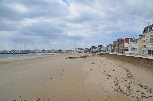 Photo of main beach of Quiberon near the Casino