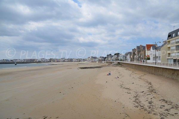 Photo of main beach of Quiberon near the Casino