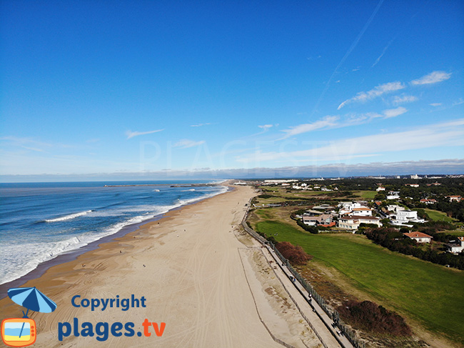 Grande plage de sable à Anglet
