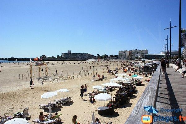 Restaurants on the beach of Les Sables d'Olonne
