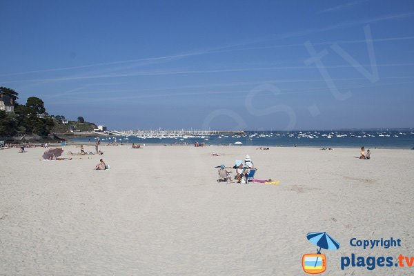 Fine white sand in Saint Cast le Guildo