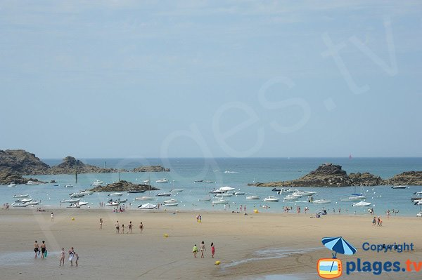 Main beach in Saint Lunaire in France