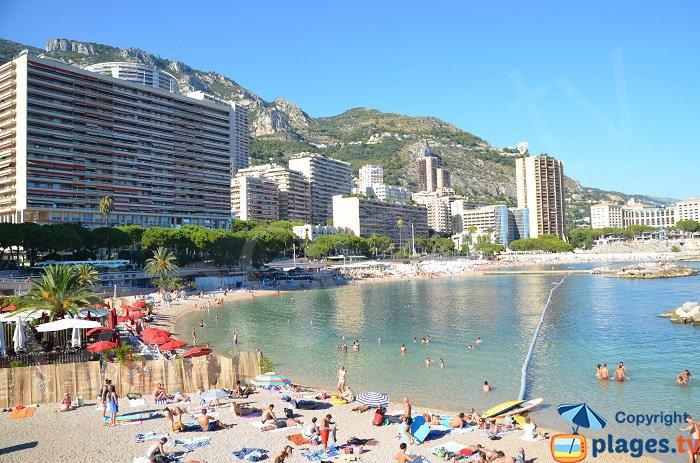 Ghiano sulle spiagge di Monaco