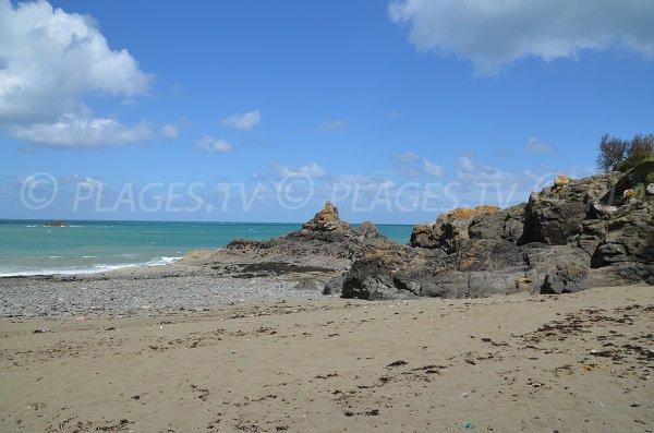 Côté droit de la plage de l'Isnain à Saint-Quay-Portrieux