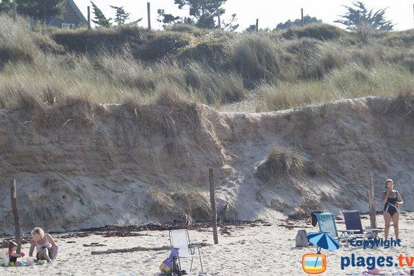 Dunes sur la plage des Sables d'Or les Pins