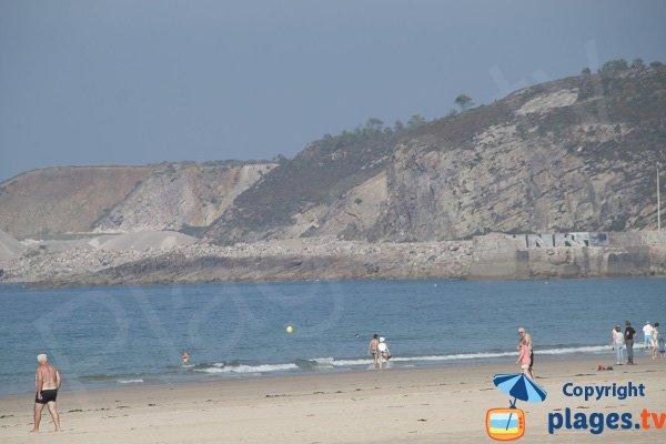 Port on Sables d'Or les Pins beach
