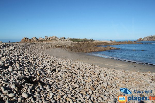 Galets roulés sur la plage du Port du Diben en bretagne